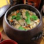 食彩工房 舎人 - おでん出汁で炊いた釜飯