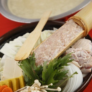 ダシのきいたスープが美味♪バードマン名物『水炊き』!