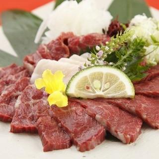 『馬刺し』などの熊本の郷土料理もご用意☆