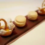 ピ・グレコ - <2014年11月>小菓子2種。マカロンはとても美味。