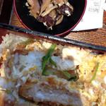 大戸屋 - カツ丼に椎茸が入っていたことは残念