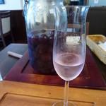 イルミオカンポ - お口直しにフルーツビネガー (私は巨峰をチョイス)