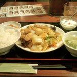 32972255 - 八宝菜定食(580円)