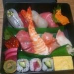 花春寿司 - 料理写真:すし折