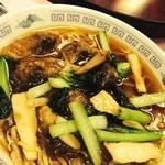 中国料理 小花 - この季節ならではの牡蠣そば、解禁になりました。this is one of my favorite ,noodle with oyster!