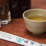 味万 - お茶とお箸