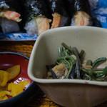 味万 - 1-5)天むす定食の小鉢