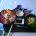 レストラン 椿 - 料理写真:海鮮丼。