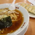 幸楽苑 - 料理写真:中華そば、餃子(\599税込み)