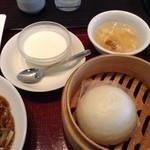 華琳 - 杏仁豆腐、肉まん、卵スープ