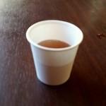 たい焼き 橘屋 - お茶のサービスも嬉しい♪