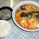 台湾料理 台北 - 酸辣(スーラー)麺