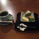 福 - 料理写真:黒豆と抹茶のケーキのセット(2014.11)