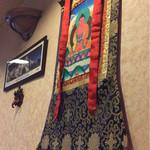 サンサール - インド(ネパール?)風な飾り付け。