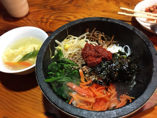 オムニ食堂 三軒茶屋店 - ランチの石焼ビビンパ  900円