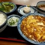 天弘 - ランチのセットで「麻婆豆腐 (800円)」