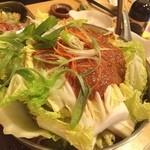世界の山ちゃん - 世界の太ちゃん名物!豚肉とりみそ鍋(^_^) 最初はしょっぱいと思いましたが、ハイボールのアテとして美味かった‼️