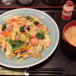 利代 - 皿うどん 850円