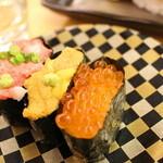 グルメ回転寿司 函太郎 - 軍艦三昧