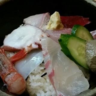 三七十鮨 - 料理写真:香住丼