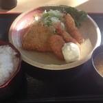 青海食堂 - ミックスフライ 620円