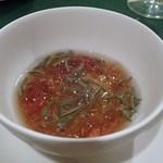 33014520 - コンソメのジュレと枝豆のブルーテ