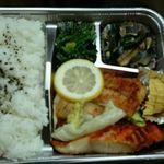 民宿 春山荘 - 料理写真:お弁当(500円)
