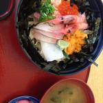 33031208 - ウニ入海鮮丼