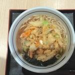 万葉そば - かき揚げそば(温)(450円)+生玉子(60円)