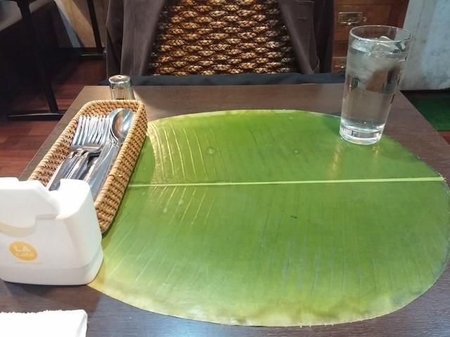 マドラスキッチン - テーブルの上にはバナナの皮【2014-11】