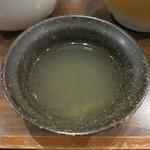 麺屋 じもと - ・「牛骨つけめん(\800)」の割りスープ。