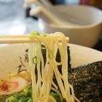 藤しろ - 麺は細めのストレート
