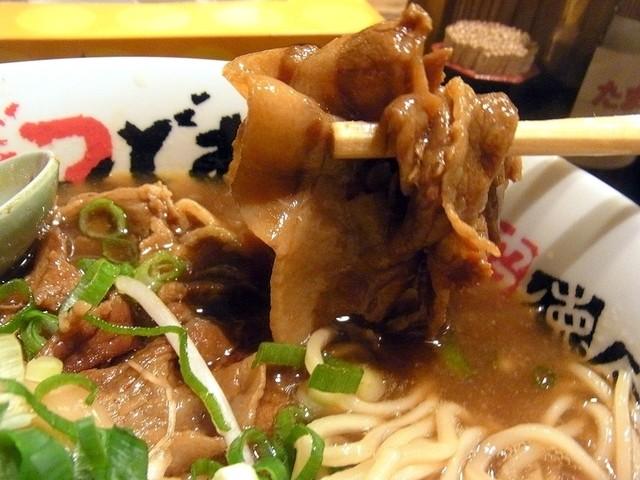 うだつ食堂 - 甘めに煮込まれた豚バラ肉