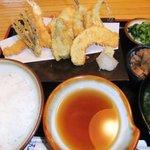 天元 - てんぷら定食(1300円)