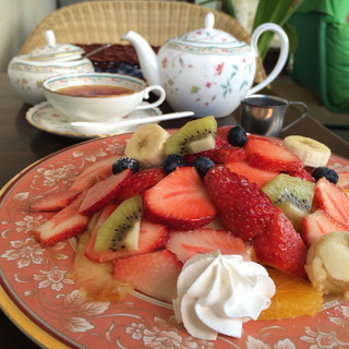 浅草茶房 - フルーツパンケーキセット(紅茶か珈琲付き)¥1,380-