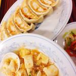 ぎょうざの満洲 - 塩麻婆豆腐と餃子