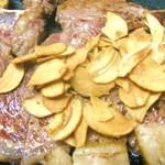 鉄板焼 屯 - USTボーンステーキです。ガッツリとお召し上がり下さい。
