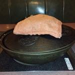 肉の万世 本店 -  しゃぶしゃぶの鍋、その1です。