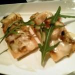 33075467 - ベーコンとクルミ、札幌黄のピザ
