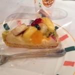 ルージュトマト - フルーツいっぱいのタルト