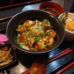 串串 - 料理写真:ランチ・焼鳥丼定食