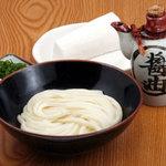 四國うどん - 麺好きの方にはたまんない醤油うどん