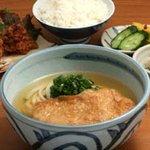 四國うどん - お好きなうどんと御飯、おかず、漬物がついた定食です  2階メニュー