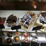 33093491 - キレイで美味しそうなケーキたち。