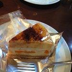 ジェノワーズ - 杏のシブースト