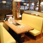 大陸食道 - ゆったりのテーブル席