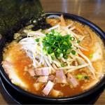 らーめんまる井 - 背脂チャーシュー麺