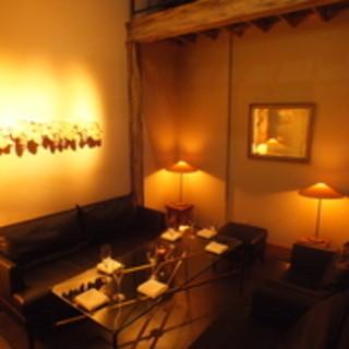 2~8名様用カーテン仕切りのソファータイプのプライベート空間
