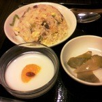 Shoushinshin - セットの半炒飯と杏仁豆腐+ザーサイ