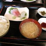 Tsunokuniya - かんぱち、いか刺身盛り合わせ